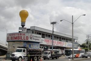 Ferretería El Bombillo en Tocumen PANANA